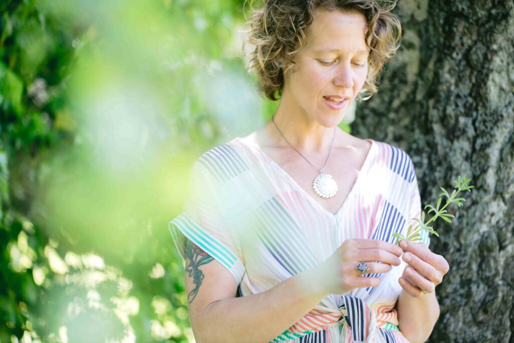 Dr. Sarah Sue Myers teaches Plant Medicine and connects the self to nature.